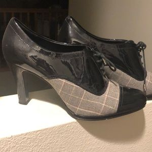 So cute!!! Black patent leather & plaid heels!!!
